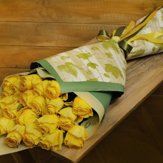 Holand Yellow Roses